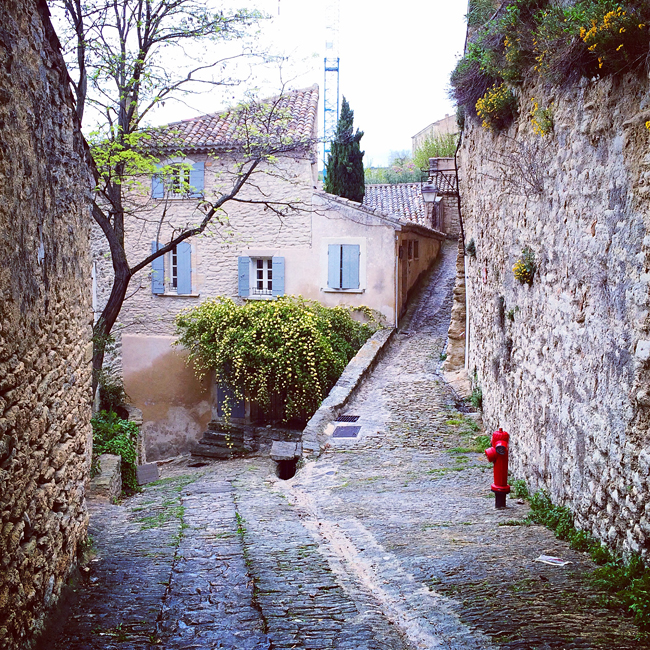 travel_josephine_provence_franta_village_gordes